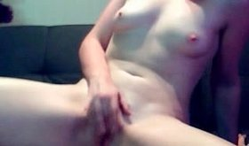 Smutty chick fingers her tight muff on webcam